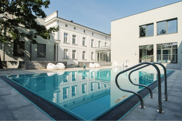 Palac_Romantyczny zwembad